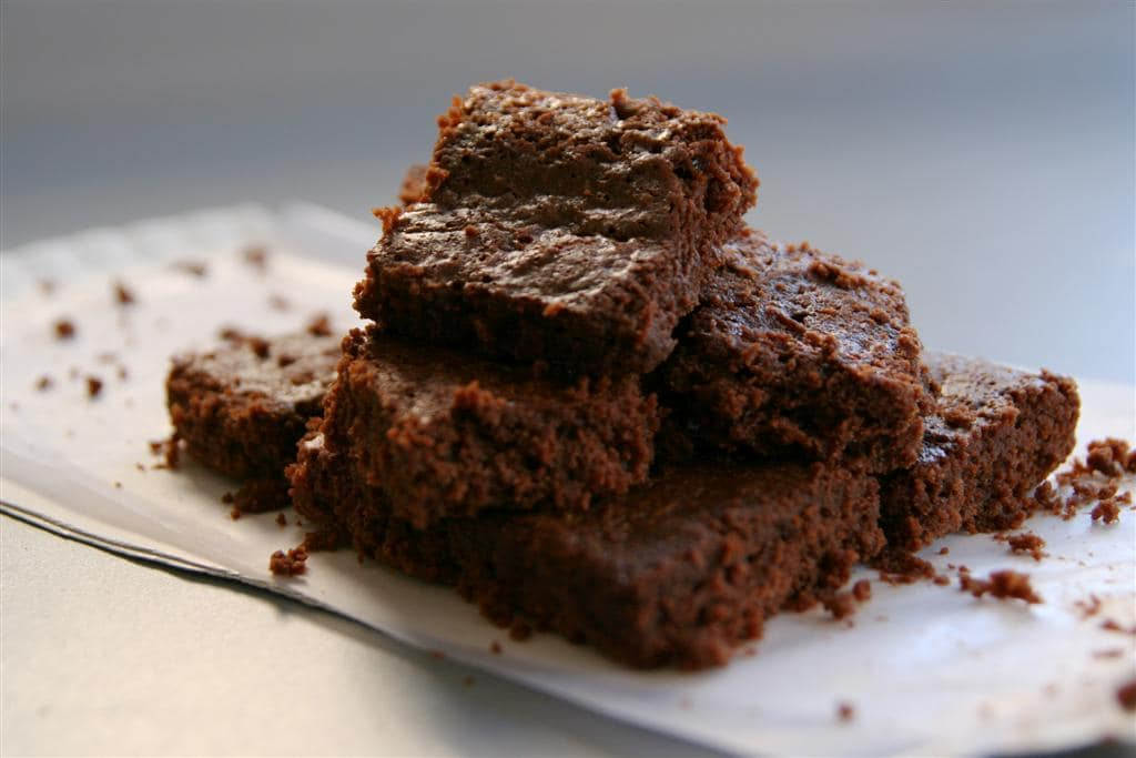 65-calorie-yummy-choc-chip-brownies