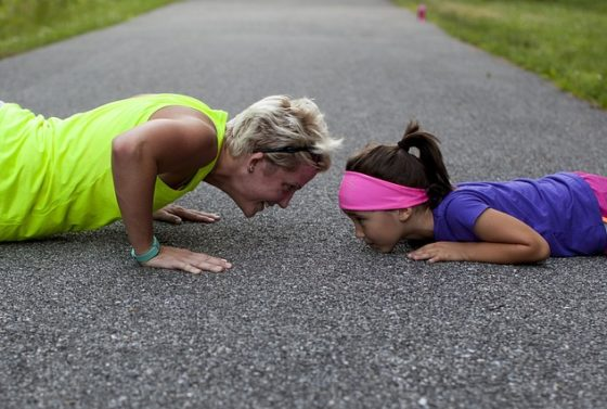 6-ways-to-workout-while-the-kids-play