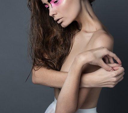 photoshopped-models-warning-label-france