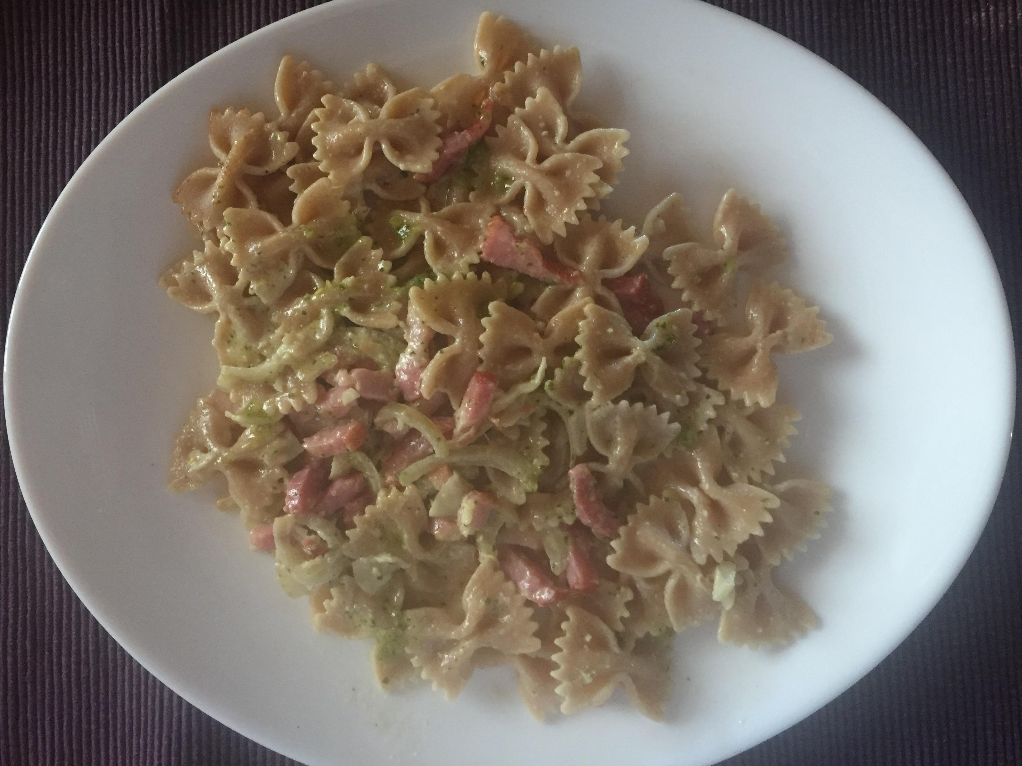 homemade-pesto-pasta-bacon
