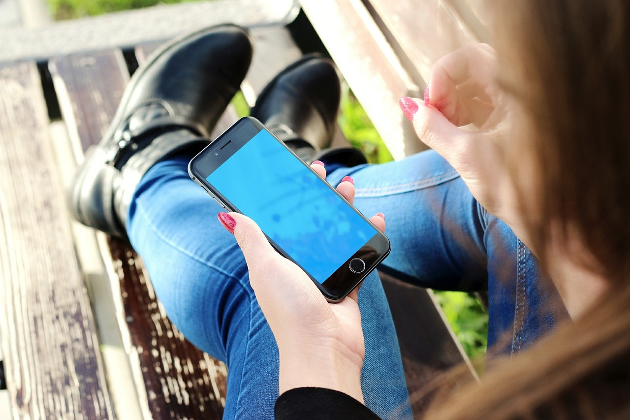 unplug-phone-social-media