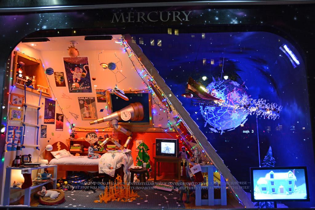 fabulous-christmas-window-displays